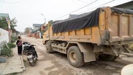 """Đông Sơn (Thanh Hóa): Xe tải chở đá """"hành"""" dân"""