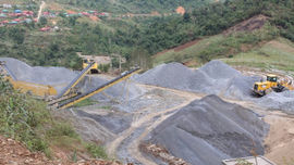 Mường Tè – Lai Châu: Vì sao các doanh nghiệp  khai thác đá trái phép không bị xử lí?