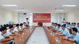 BTL Vùng Cảnh sát biển 1 huấn luyện nghiệp vụ cho lực lượng làm nhiệm vụ trên tàu tuần tra Cục Hải quan Hải Phòng