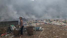"""Nghệ An: Bãi rác cháy cả tuần, người dân """"kêu trời"""" vì ô nhiễm"""