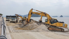 Kỷ luật nhiều cán bộ liên quan đến vụ đổ đất xuống vịnh Bái Tử Long