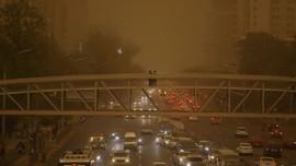 Bắc Kinh tiếp tục chìm trong bão cát