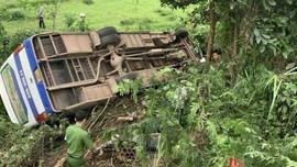 Quảng Ninh: Xe chở công nhân va chạm xe máy khiến 1 người tử vong