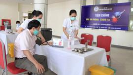 Huế: Hơn 4.700 người đã được tiêm vắc xin phòng dịch COVID – 19