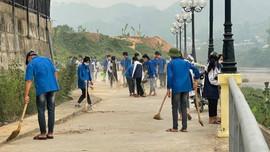 Sông Mã (Sơn La): Ra quân tổng vệ sinh môi trường năm 2021