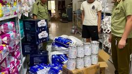 Hà Giang: Phát hiện và tạm giữ gần 200 hộp sữa bột và bỉm trẻ em không có hoá đơn