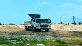 TP. Đồng Hới – Quảng Bình: Hàng nghìn khối cát tập kết trái phép tại Nhà máy đóng tàu Nhật Lệ