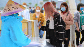 Hà Nam: Một nữ nhân viên y tế tại chùa Tam Chúc dương tính với Covid-19