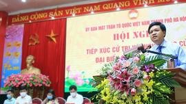 Ông Tạ Đình Thi, Tổng cục trưởng Tổng cục Biển và Hải đảo Việt Nam báo cáo chương trình hành động trước cử tri huyện Mỹ Đức
