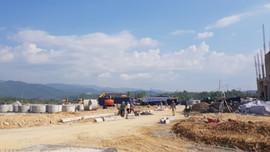Bàn giải pháp tháo gỡ vướng mắc về đất đai tại Dự án Cảng hàng không Điện Biên