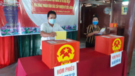 Cử tri huyện Điện Biên hân hoan trong ngày bầu cử