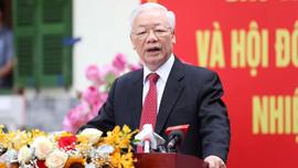 Tổng Bí thư Nguyễn Phú Trọng trả lời phỏng vấn sau khi bỏ phiếu bầu cử