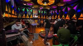 TP. Sơn La: Xử phạt 2 cơ sở Karaoke và 17 khách vi phạm quy định về phòng chống Covid-19