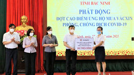 EVNNPC ủng hộ 1 tỷ đồng chung tay cùng Bắc Giang và Bắc Ninh chống dịch Covid – 19