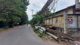 TP Hòa Bình: Vỉa hè, lòng đường bị chiếm dụng làm kho chứa