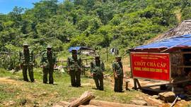 Những chốt kiểm soát giữa dãy núi Trường Sơn của chiến sỹ Đồn biên phòng Ra Mai