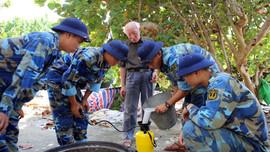 """Bài dự thi """"Cùng giữ màu xanh của biển"""": Những người mang mùi thơm cho đảo"""