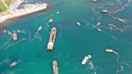 Thổ Nhĩ Kỳ phát động dọn dẹp lớp nhầy đặc để cứu Biển Marmara