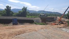Lạng Sơn: Công trình tiền tỷ nứt toác, nhiều cán bộ liên đới trách nhiệm