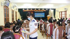 Tuyên truyền Luật Cảnh sát biển Việt Nam và Luật Phòng, chống ma túy cho đoàn viên thanh niên, học sinh quận Dương Kinh
