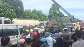 Thanh Hóa: Tai nạn liên hoàn khiến 9 ô tô hư hỏng nặng một người tử vong tại chỗ