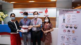 Công đoàn CQĐH PV GAS trao tặng quà động viên các chiến sỹ vùng Zone 0 PV GAS
