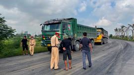 Ninh Bình: Tăng cường xử lý xe tải trọng lớn sau phản ánh của Báo TN&MT