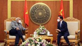 Bộ trưởng Trần Hồng Hà tiếp xã giao Đại sứ Cuba