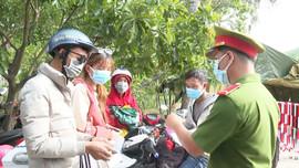 Quảng Ngãi: Kiểm soát người dân về quê tránh dịch bằng xe cá nhân
