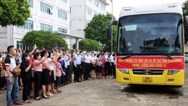 Lào Cai: Chi viện 50 cán bộ y tế giúp Bình Dương chống dịch