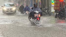 Thời tiết 23/7, áp thấp nhiệt đới gây mưa to nhiều nơi trên cả nước