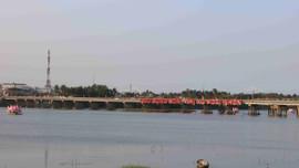 Bình Định: Tăng cường kiểm tra, xử lý xác súc vật chết và rác trên sông Lại Giang