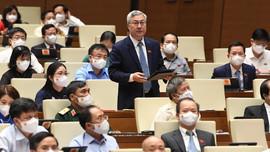 Quốc hội thảo luận về kinh tế - xã hội và phòng chống dịch Covid-19