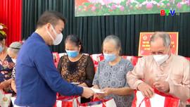 Tập đoàn Hanaka thăm, tặng quà các gia đình chính sách, người có công
