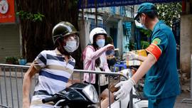 Hà Nội: Lập chốt kiểm soát người dân ra đường không có lý do