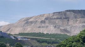 Giải bài toán về nguy cơ tiềm ẩn từ những núi đất đá thải mỏ tại Quảng Ninh