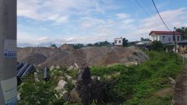 Điện Biên:  Phớt lờ lệnh cấm của chính quyền, doanh nghiệp đổ cát, sỏi trên đất bãi màu C4
