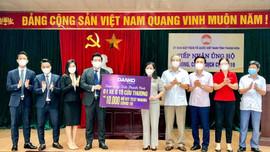 Danko Group trao tặng xe cứu thương và 10.000 bộ kit test nhanh Covid-19 cho tỉnh Thanh Hóa