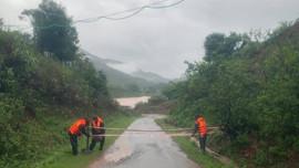 Quảng Trị: Sạt lở và ách tắc giao thông tại nhiều tuyến đường do mưa lớn