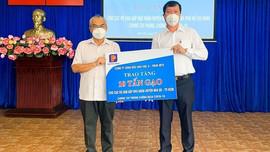 Petrolimex tiếp tục  hỗ trợ 50 tấn gạo cho các hộ dân gặp khó khăn tại TP.HCM