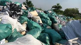 """Chất thải da giầy tập kết trái phép tại Hải Phòng:  Xử lý chất thải hay """"phi tang"""" chứng cứ?"""