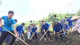 """Lục Yên (Yên Bái): Các đoàn thể """"đua nhau"""" thực hiện tiêu chí 17 trong xây dựng Nông thôn mới"""