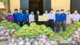 Phật giáo Bến Tre giúp sức cho người nghèo trong thiên tai, dịch bệnh