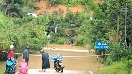 Quảng Nam: Mưa lớn gây sạt lở, chia cắt nhiều xã vùng cao huyện miền núi