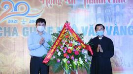 Lãnh đạo tỉnh Quảng Ninh thăm giáo dân Giáo xứ Trà Cổ