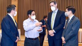 Thủ tướng lắng nghe ý kiến về thích ứng an toàn, phục hồi và phát triển kinh tế