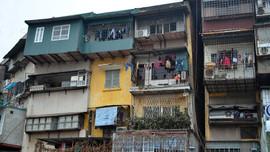 Hà Nội: Người dân thấp thỏm sống trong chung cư cũ
