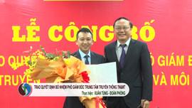 Trao quyết định bổ nhiệm Phó Giám đốc Trung tâm Truyền thông Tài nguyên và Môi trường