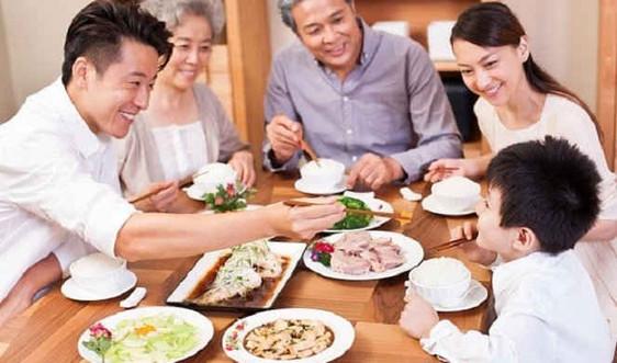 """Ngày Gia đình Việt Nam năm 2015: """"Bữa cơm gia đình ấm áp yêu thương"""""""