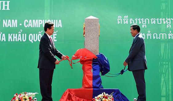 Việt Nam, Campuchia khánh thành mốc giới số 30 trên đất liền